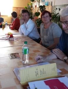 Barbara Scheller und Stephan-Felix Winkler diskutieren in Arzberg
